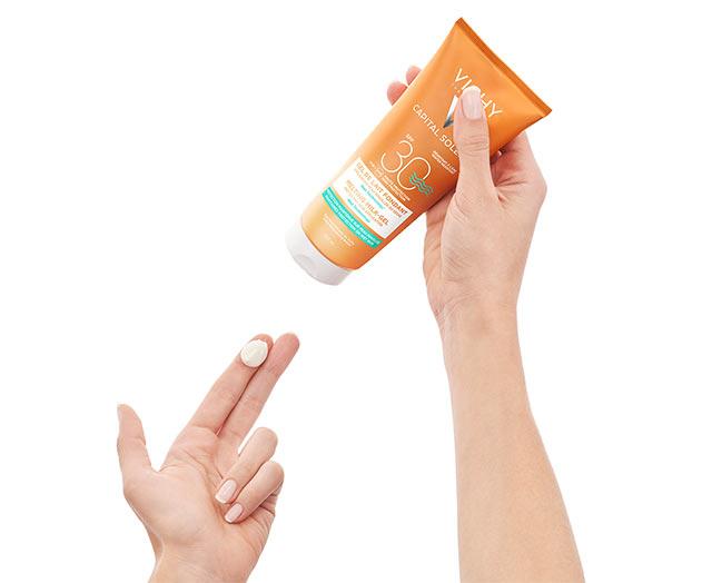 Gel ultra fundente SPF 30 para aplicar sobre piel seca o mojada