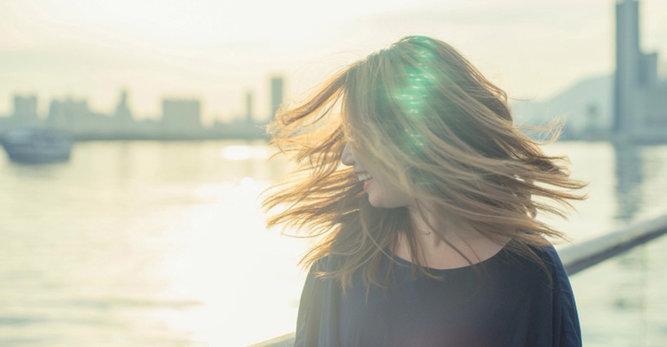 Cuida del cuero cabelludo sensible sin estropear el pelo.
