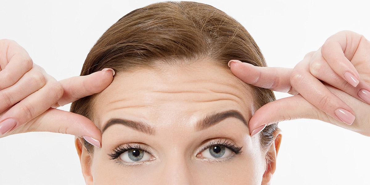 Cómo evitar arrugas en la frente