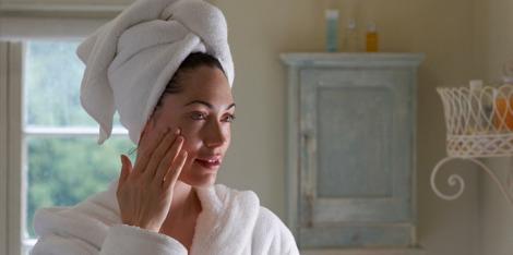 ¿Por qué es importante hidratar la piel para combatir el envejecimiento?