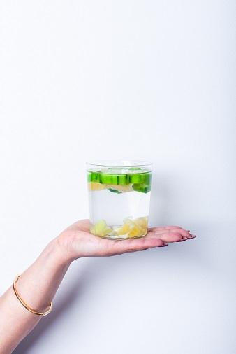 Agua detox para la piel