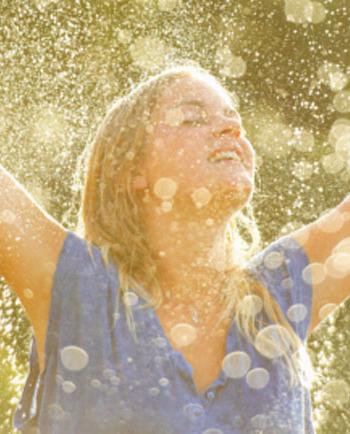 Piel sana y fuerte con agua mineralizante