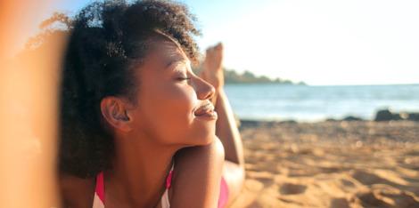 Mito sobre la piel: ¿Cuál es la relación entre el acné y el sol?