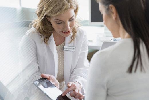 Recomendaciones de dermatólogos sobre cómo envejecer lentamente según tu edad