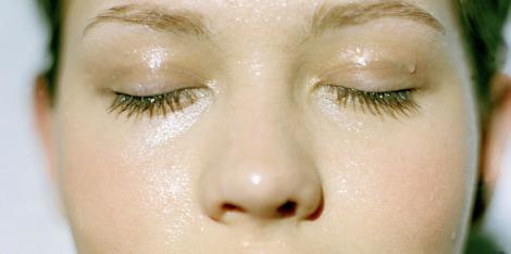 ¿Cómo hidratar la piel sensible y deshidratada?
